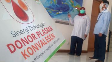 Astra Credit Companies (ACC) Serahkan Bantuan Donor Plasma Konvalesen kepada PMI