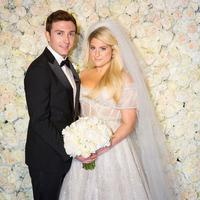 Potret Pernikahan Meghan Trainor dan Daryl Sabara. (Instagram/meghan_trainor)
