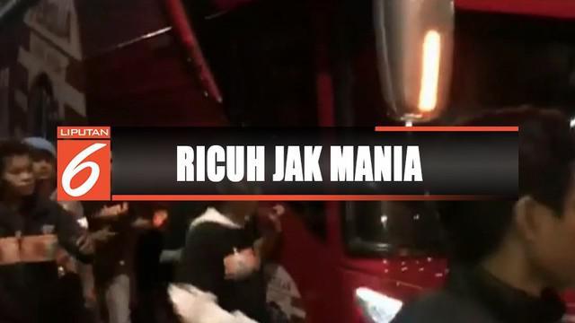 Jakmania kecewa usai Persija Jakarta ditahan imbang satu-satu oleh Bhayangkara FC.