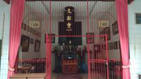 Altar Gus Dur, penghormatan paripurna secara kultur warga Tionghoa kepada Gus Dur. (foto: Liputan6.com/edhie prayitno ige)