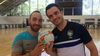 Dua bintang futsal dunia, Ricardinho (kiri/Portugal) dan Falcao (kanan/Brasil). (dok. CBFS)