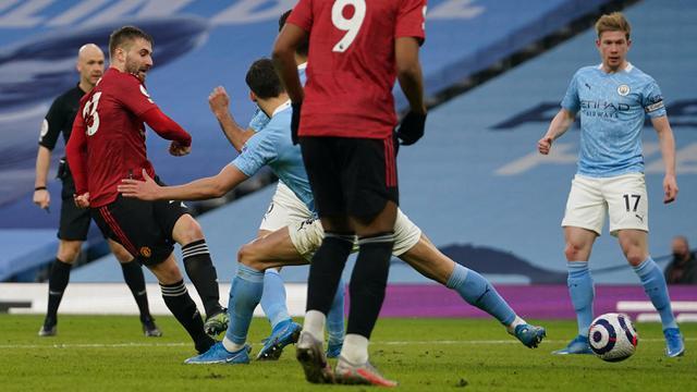 FOTO: Gol Bruno Fernandes dan Luke Shaw Bawa Manchester United Pecundangi Mancity 2-0 - Luke Shaw