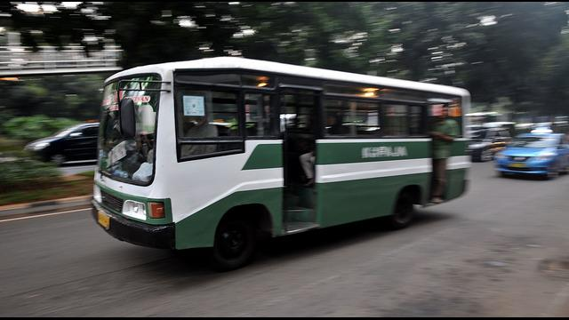 Kecelakaan maut antara Kopaja 612 dan sepeda motor serta mobil avanza di Pasar Minggu, Jakarta Selatan,  menambah panjang daftar dampak angkutan umum berkualitas buruk di Jakarta. Guna menghindari kejadia serupa, Gubernur DKI Jakarta Basuki Tjahaja Purnam