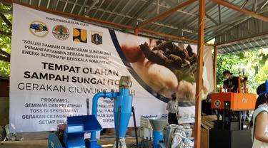 Inisiatif Ubah Sampah Sungai Ciliwung Jadi Listrik dengan Teknologi Peuyeumisasi