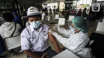 DPR: Butuh Dukungan Pemerintah Daerah untuk Kejar Target 2,3 Juta Vaksin Perhari