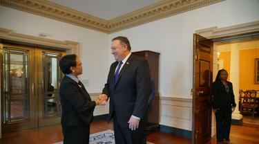 Menteri Luar Negeri RI Retno Marsudi bersama Menteri Luar Negeri AS Mike Pompeo di Washington DC (5/6) (Kementerian Luar Negeri RI)