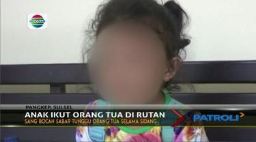 Ibu dan hampir anggota keluarga lainnya masuk penjara, seorang anak berusia 5 tahun ini terpaksa ikut tinggal di rutan.