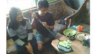 5 Kelakuan Kocak saat Potong Kue Ulang Tahun Ini Bikin Ketawa (sumber: Instagram.com/wkwkland_real)