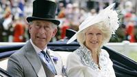 Pangeran Charles dan istrinya, Camilla, saat berada di Royal Ascot pada tahun 2007. (AP)