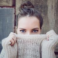 Estée Lauder hadirkan eye cream terbaru dengan ragam teknologi yang menjadikan formulanya kian menjanjikan. (Foto: Unsplash)