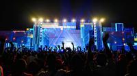 Trik ini sekaligus bermanfaat untuk mengatasi kondisi minim cahaya atau low light karena kebanyakan konser musik memang digelar pada malam hari.