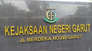 Kantor Kejaksaan Negeri Garut, Jawa Barat Jalan Merdeka No. 222 Garut.