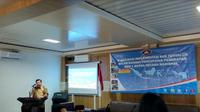 Badan Pengatur Hilir Minyak dan Gas Bumi (BPH Migas) sosialisasikan implementasi penyalur khusus atau sub penyalur Bahan Bakar Minyak (BBM) di Kabupaten Wajo, Sulawesi Selatan (Sulsel), Sabtu 24 November 2018. (Foto:Liputan6.com/Maulandy R)