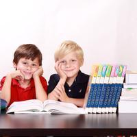 Anak semangat sekolah/Pixabay White77