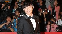 Lee Joon yang merupakan mantan personel MBLAQ mengungkapkan dirinya tak sakit hati meski dikalahkan aktor tampan Im Siwan.