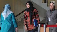 Direktur Jenderal Pemasyarakatan (Dirjen PAS) Sri Puguh Budi Utami usai menjalani pemeriksaan di KPK, Jakarta, Selasa (16/10). Sri Puguh diperiksa sebagai saksi tersangka  Direktur PT Melati Technofo Indonesia Fahmi Darmawansyah. (Merdeka.com/Dwi Narwoko)