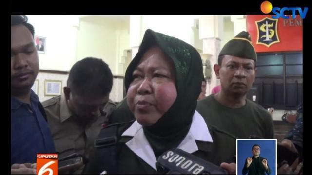 Meski prihatin dan langsung menangani dampak dari peristiwa ini, Walikota Surabaya menegaskan acara itu tidak mengantongi izin dari Pemkot.