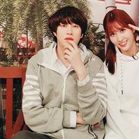 Heechul dan Momo (Sumber: Instagram/kimheenim)