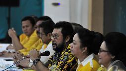 Menurut senior partai Golkar banyak hal yang harus dievaluasi terkait kepemimpinan Aburizal pada periode 2009-2014, Jakarta, Selasa (15/7/2014) (Liputan6/Johan Tallo)