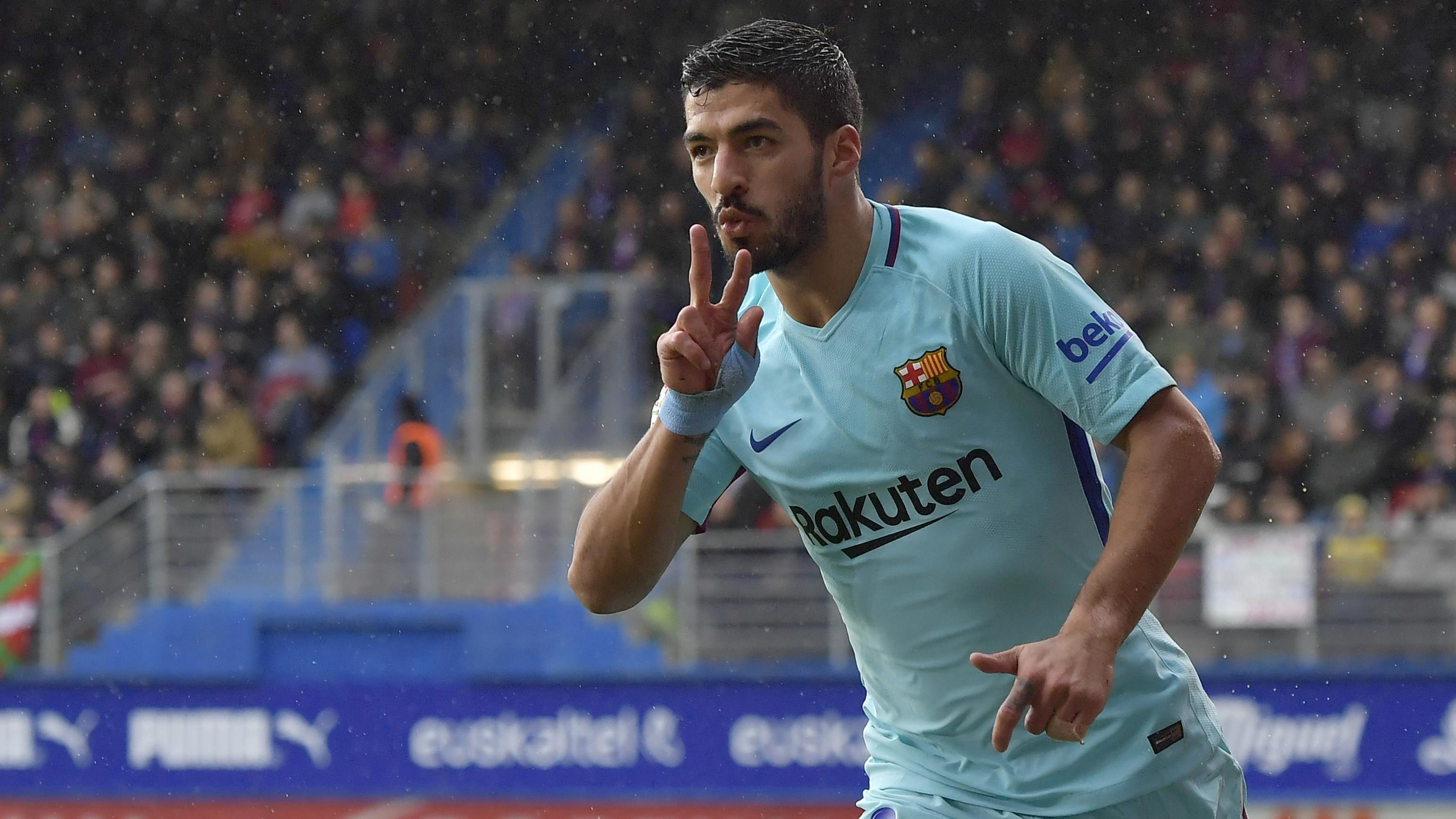 Ekspresi pemain FC Barcelona, Luis Suarez usai membobol gawang Eibar pada lanjutan La Liga Santander di Ipurua stadium,  Eibar, (17/2/2018). Barcelona menang 2-0.(AP/Alvaro Barrientos)