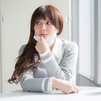 ilustrasi perempuan pakai masker/copyright by Yusei (Shutterstock)