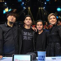 Ahmad Dhani dan Maia Estianty acara Grand Final Indonesian Idol X, Senin (24/2/2020) malam. (Adrian Putra/Fimela.com)