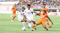 Duel Borneo FC Vs PSM Makassar pada pekan ke-13 Shopee Liga 1 2019 di Stadion Segiri, Samarinda, Sabtu (10/8/2019), berakhir dengan skor 2-0 untuk tim tuan tumah. (Bola.com/Abdi Satria)