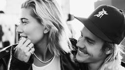 """""""Shawn benar-benar tak tahu mengenai pertunangan Hailey Baldwin,"""" ujar seorang sumber. (instagram/justinbieber)"""