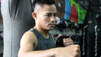 Petarung MMA ONE Championship asal Indonesia, Stefer Rahardian, menjalani sesi latihan di Bali MMA Club, Badung, Bali, Kamis (11/1/2018) siang. Stefer Rahardian melakoni persiapan keras guna menghadapi pertandingan pada ajang MMA One Championship, Sabtu (