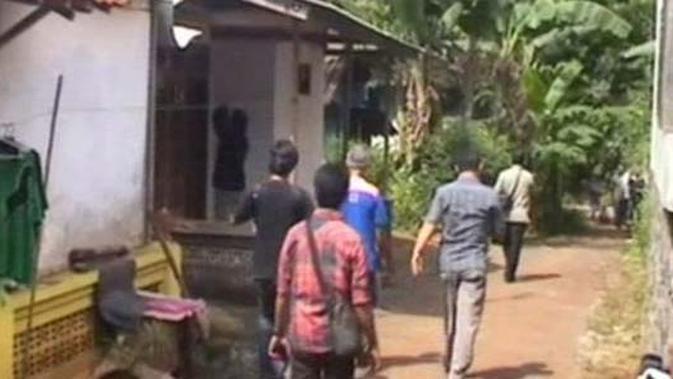 Istri Abu Roban Melahirkan, Polisi Tunda Geledah Rumah ...