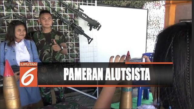 TNI AU, Kodam 13, dan Lantamal 8 menggelar pameran alutsista di Manado, Sulawesi Utara.