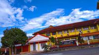 Halaman Depan SMK Negeri 2 Bawang (Bola.com/Faozan Tri Nugroho)