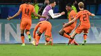 Selebrasi pemain Belanda saat mengalahkan Ukraina di Euro 2020 / 2021 (AFP)