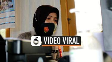 Sebuah video rekaman Polwan yang membantu nenek menaikki angkot di Palembang mendadak viral. Ternyata sang Polwan memiliki kebahagiaan jika membantu kaum yang lemah.