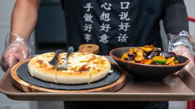 003169200 1592283116 20200614 Restoran vegetarian menjadi populer di Kunming xinhua 2 - Ini Lho Strategi Membangun Bisnis Kuliner Baru agar Tidak Bangkrut