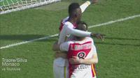 Video highlights skill Bertrand Traore yang melewati dua bek dari Toulouse membuat keduanya beradu.