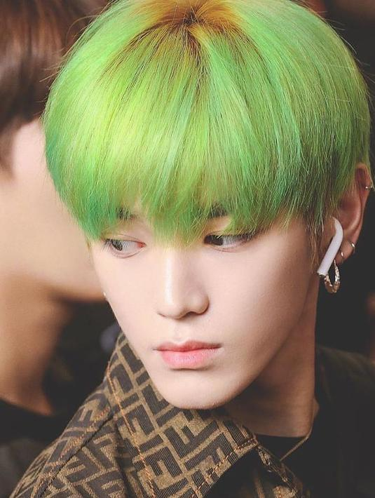 FOTO: Inspirasi Warna Rambut Unik ala Taeyong NCT 127 - Hot Liputan6.com