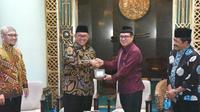 Gubernur Jawa Barat Ahmad Heryawan (Aher) dalam kegiatan Senja Safari Iman Ramadhan 1439 H, di Masjid Ulil Albab, Kampus Terpadu Universitas Islam Indonesia (UII) Sleman.