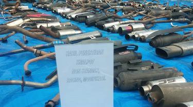 Pemusnahan barang bukti digelar, Senin (12/04/2021), di halaman kantor Satlantas Polres Bitung.