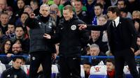 Jose Mourinho dan Antonio Conte (AP Photo/Frank Augstein)