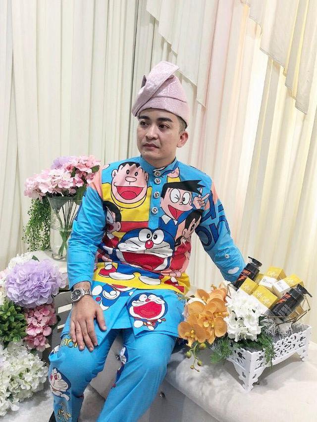 Pakai Baju Pengantin Bertema Doraemon Pernikahan Pasangan