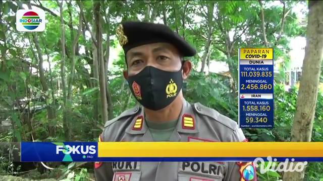 Warga Desa Sumurgeneng, Tuban, yang memborong mobil viral di media sosial. Mereka mendadak menjadi miliarder usai tanahnya dibeli Pertamina untuk proyek kilang minyak. Semenjak viral, anggota Kepolisian Sektor Jenu, Polres Tuban, ikut terjun mengaman...