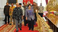 Para Dewan Pengarah Badan Pembinaan Ideologi Pancasila (BPIP) tiba untuk menemui Presiden Joko Widodo di Istana Merdeka, Jakarta, Kamis (9/5/2019). Dalam pertemuan tersebut hadir Ketua Dewan Pengarah BPIP yang juga mantan Presiden kelima Megawati Soekarnoputri. (Liputan6.com/Angga Yuniar)