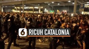 Bentrokan terjadi di Barcelona, Spanyol antara polisi dengan massa pro kemerdekaan Catalonia. Massa marah setelah Mahkamah Agung Spanyol memvonis para pimpinan separatis Catalan.