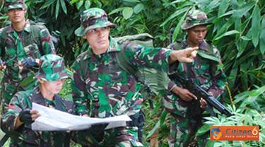Citizen6, Kalimantan: Tim penjelajah yang merupakan bagian dari Tim Ekspedisi Khatulistiwa 2012 Sub Korwil 5 Nunukan, mulai menjelajahi hutan Simanggaris, Kabupaten Nunukan, Kalimantan Timur, Kamis (12/4). (Pengirim: Badarudin Bakri)