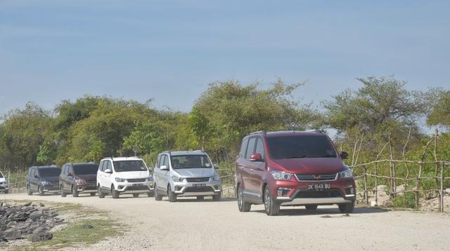 Wuling Confero S dilakukan uji coba oleh awak media di kawasan Bali. (Dok Wuling Motors Indonesia)