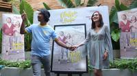 Shandy Aulia dan Dodit Mulyanto saat jumpa pers perilisan teaser poster film di kawasan Sarinah, Jakarta Pusat, Kamis (29/8/2019). (Daniel Kampua/Fimela.com)