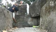 Sejumlah batu kuno, yang diduga bagian dari bangunan candi, ditemukan warga di Kalasan, Sleman, Daerah Istimewa Yogyakarta, saat melakukan penggalian di sebuah kebun jagung.