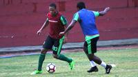 Persebaya mendatangkan striker Pedro Henrique Oliveira dengan status trial. (Bola.com/Aditya Wany)