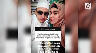 Teka-teki pernikahan Kartika Putri akhirnya terjawab, Habib Usman bin Yahya secara terang-terangan mengakui sudah menikah dengan artis yang sudah berhijrah, Kartika Putri.